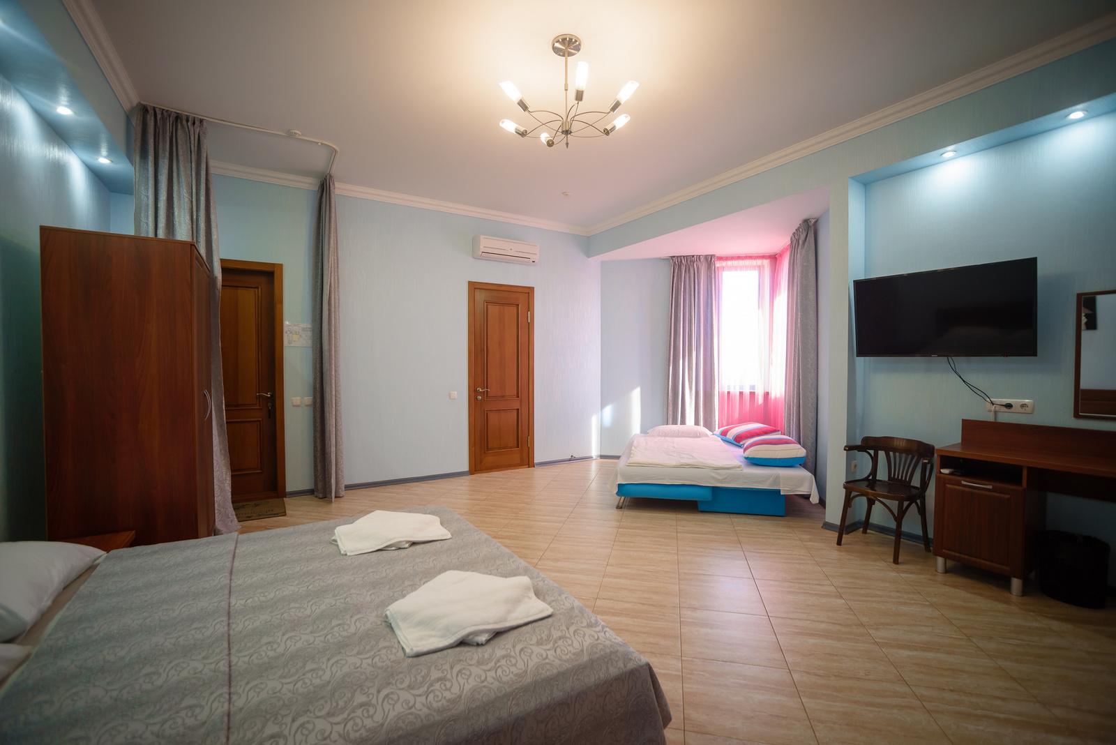 Номер 2.  Апартамент. Амальтея. Бердянск. Фото 3